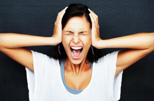 Как в стрессовой ситуации ведут себя женщины разных знаков зодиака?
